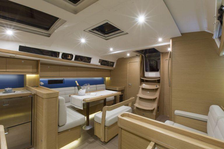 460 Interior 3