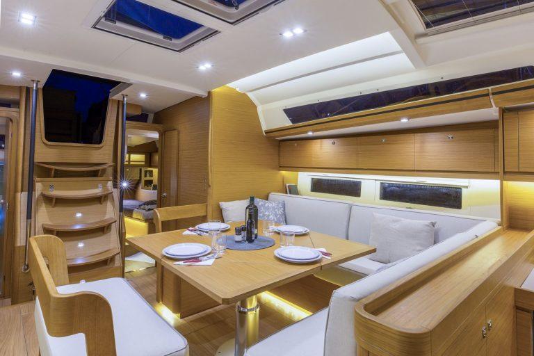 520 Interior 2