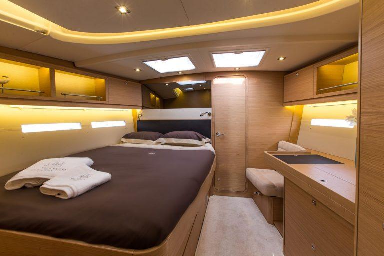 560 interior 3