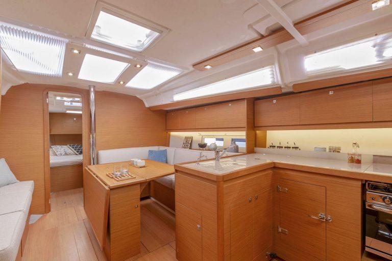 390 Interior 4
