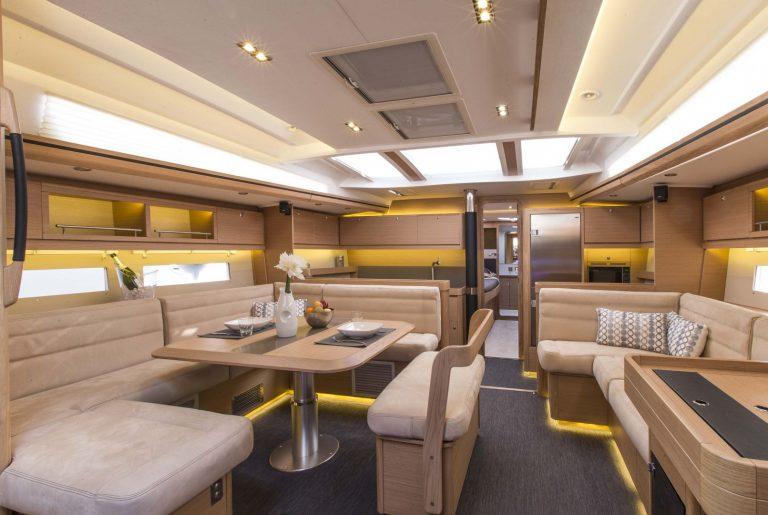 560 Interior 1